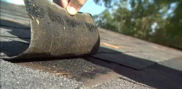 How to Replace Asphalt Roof Shingles